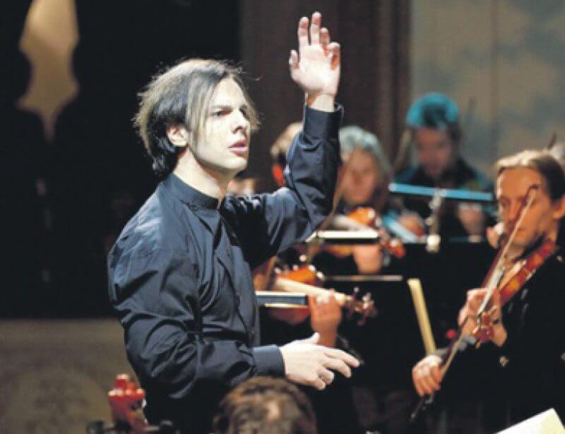 Моцарта «Дон Жуан» в исполнении хора и оркестра musicAeterna под руководством Теодора Курентзиса.
